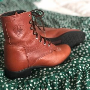 Brown Ariat Heritage Lacer boots